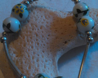 Yellow Floral Glass Beaded Bracelet