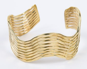 Shimmery Wave Cuff - Gold
