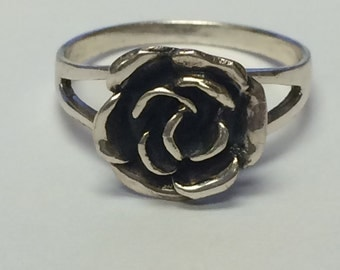 Beautiful Rose Sterling Silver 925 Ring 9042