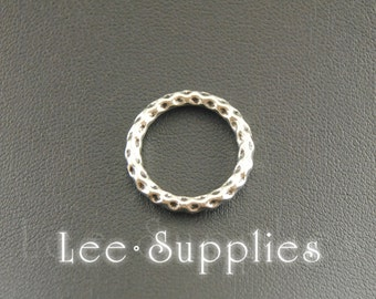 10pcs Antique Silver Hammered Loop Ring Charm A984