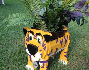 Wooden Animal Planter - LSU Mike the Tiger