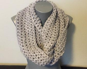 Soft Chunky Crochet Infinity Scarf / Grey Infinity Scarf / Infinity Scarf / Women's Scarf / Crochet Infinity Scarf / Scarf / Grey Scarf