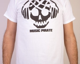 Planet Ex | NEW Music Pirate - Music / DJ House Techno Party Mens Headphones T-Shirt