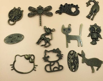 Mix Cute Animals Charms Pendants Vintage Metal Alloy Mixed 12 Pattern per Lot(M025)