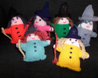 """New Novelty Hand Made Knitted Witch Unique To Penybont Stores 7"""" High ( Green )"""