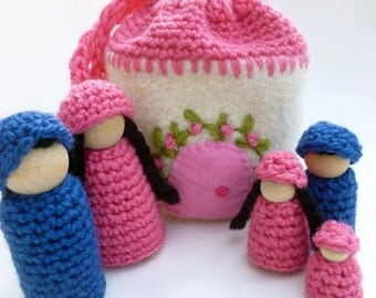 Doll house with family Cozy cottage on the go wood peg dolls felted pouch