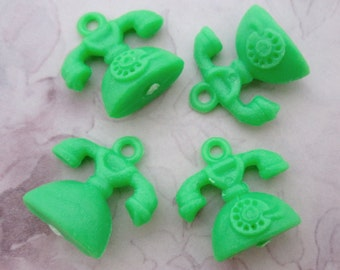 10 pcs. vintage green plastic telephone charms gum ball machine prizes from Hong Kong 22x16mm - r261