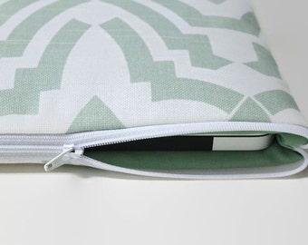 "CLEARANCE SALE Women's 13 inch MacBook Pro Sleeve Laptop Case 13"" Sleeve MacBook Pro Cover - Temple Mint"