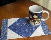 Christmas Mug Rug - Quilted Mouse Pad Handmade by GloryQuilts