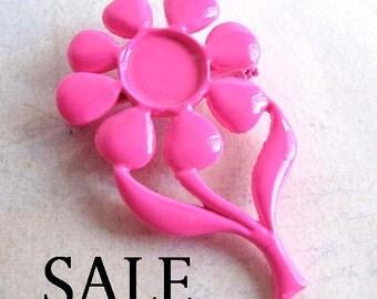 Vintage Neon Pink Enamel Flower Brooch (4X) (E597) SALE - 90% off