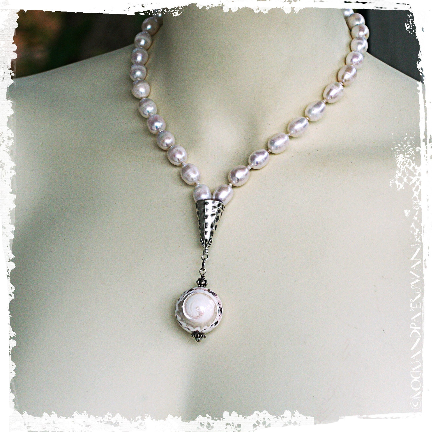 Contemporary pearl jewelry : Bohemian pearl necklace modern shell