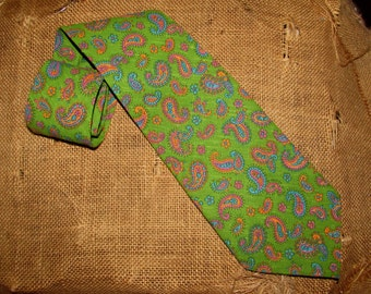 Vintage Mens Wide Green Paisley Neckie Tie by Style Setter Ties, Cotton, mod, 70s, colorful