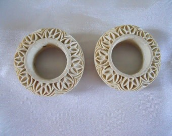 Pair White Cinnabar Circle Beads