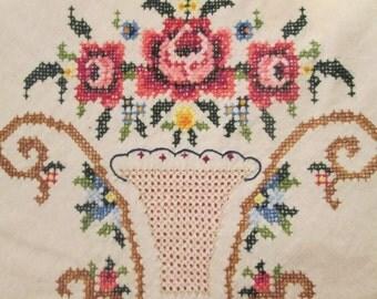 Vintage Embroidered Natural Muslin Tablecloth - Openwork Floral - Vintage Wedding