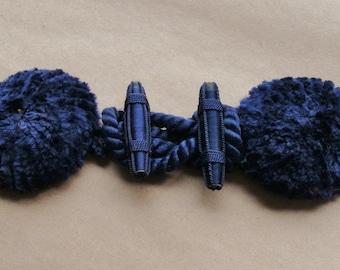 Antique Victorian Large Purple Silk Velvet Frog Fastener Closure Thread Back