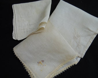 Lot of 3 Vintage White Ladies' Hankies/Handkerchiefs (Embroidery and Lace)