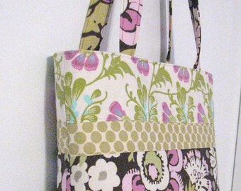 Personalized Diaper Bag . Amy Butler Daisy Chain . Regular size . monogrammed FREE . girl diaper bag Little Girl bag personalized Tote bag