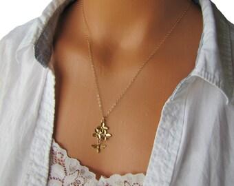 Gold Bee Necklace-Flowers And Honeybee Necklace-Honeybee Necklace