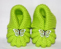 Hand Knit Baby Booties (0-3 mos or 3-6 mos)