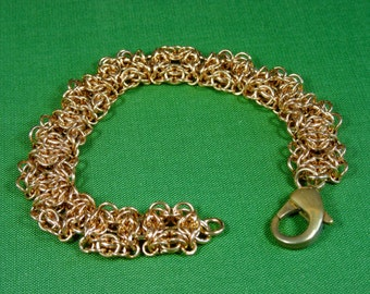 Number 850. Celtic Labyrinth Weave Chainmaille Bracelet