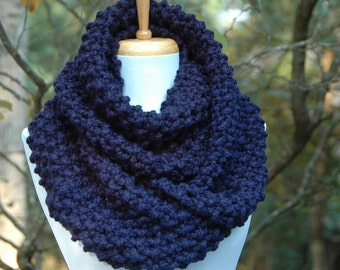 Navy Blue Infinity Scarf, Chunky Scarf, Knit Scarf, Circle Scarf,  Hand Knitted Infinity Scarf, Women's Scarf, Winter Scarf, Wool Scarf