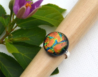 058 Fused dichroic glass ring, adjustable, silver plated, round, sparkling, green, orange, blue, yellow