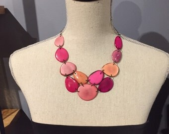 Shades of pink bib necklace
