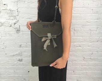 laptop bag / laptop sleeve / laptop case / attaché case / file holder / organization / army military khaki canvas bag