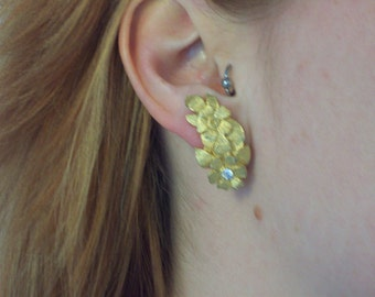 Vintage Goldtone Clip-on Earrings with Rhinestones