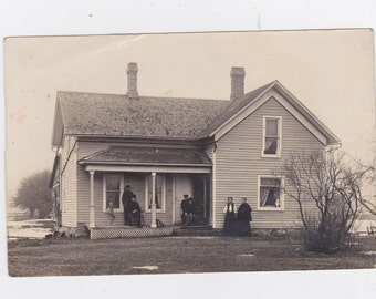 1920-30s  picture post card of the old homeplace