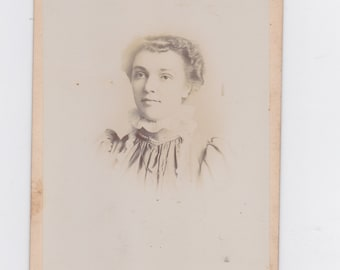1800s vintage cabinet photo. of a women  from Gorin, Mo.