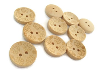 Wooden button - Flower Pattern Unfinished Wood Sewing Buttons Natural Color 20mm - set of 12  (BB116C)