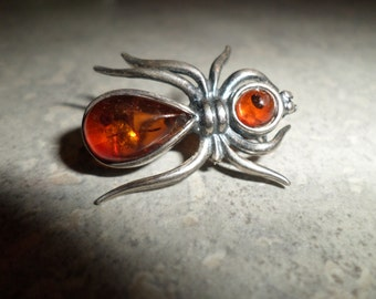 vintage 925 sterling silver and cabachon amber Spider Brooch inclusions