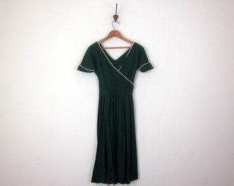 50s jade green cotton dress fitted waist short sleeve (xs - s)