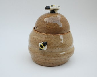 Honey Pot, Bees Flying On Jar, Sugar Bowl, Pottery Jar With Lid, Handmade Pottery, Brown Speckled Color, 12 Ounce Capacity
