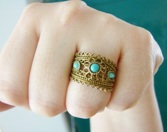 Vintage brassy gold and blue flower ring- fully adjustable