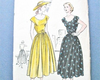 1950s Vogue 3209 OnePiece Dress Fitted Bodice Gathered Skirt Scalloped Neckline Kimono Cap Sleeves Bust 30.5 inches Vintage Sewing Pattern