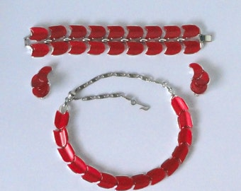 Lisner Red Thermoset Necklace, Bracelet and Earrings Set.