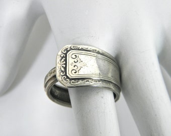 Silver spoon ring, vintage turn of the century spoon,  RogerS A1, silver plate spoon ring, hand made estate ring, deco flatware, thumb ring
