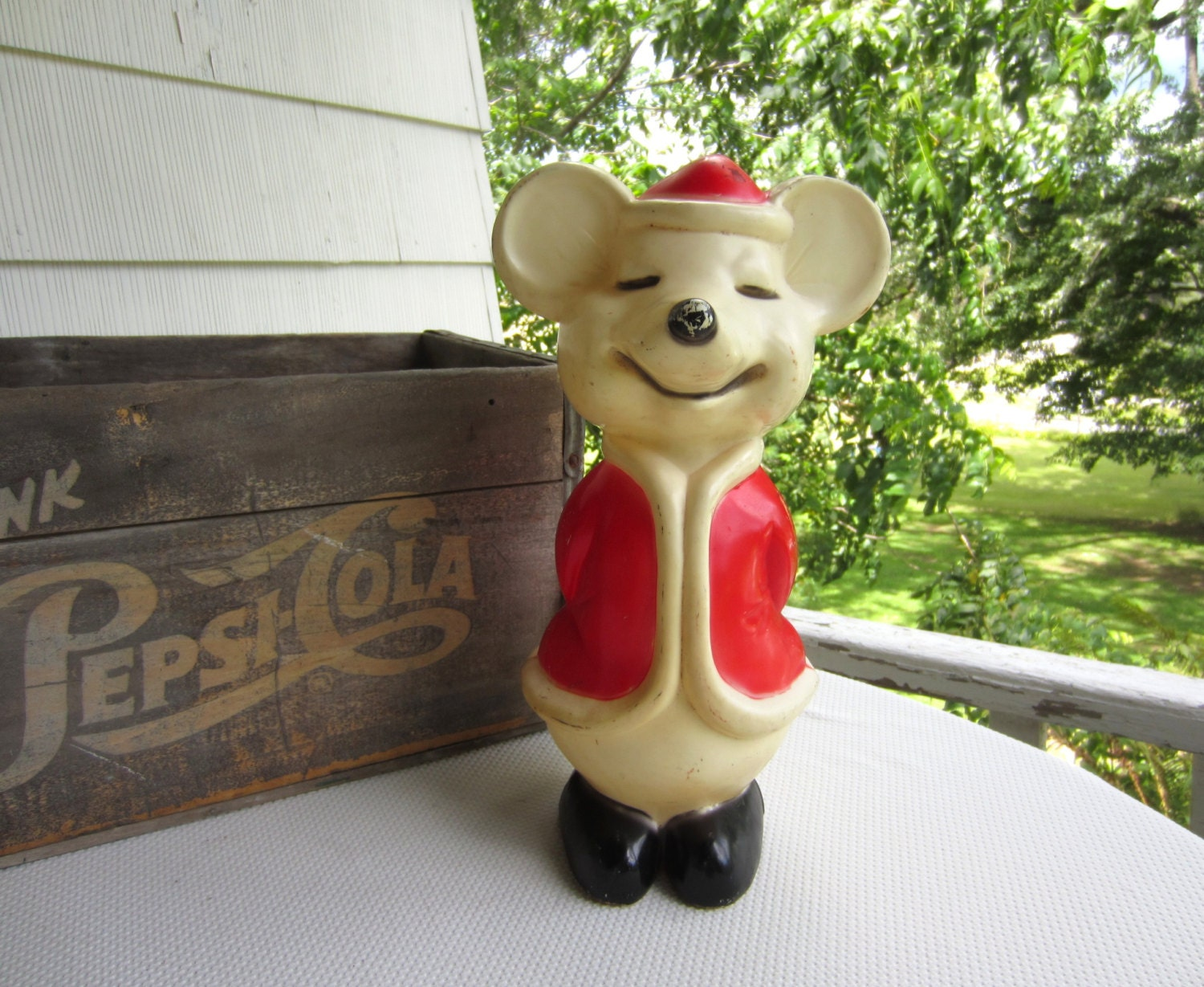 vintage blow mold mouse in santa suit christmas holiday decor. Black Bedroom Furniture Sets. Home Design Ideas