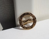 Vintage Tiny Art Nouveau Circular Pin in Goldtone Metal