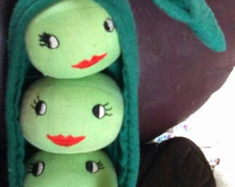 Vintage Handmade 3 Peas in a Pod Stuffed Toy