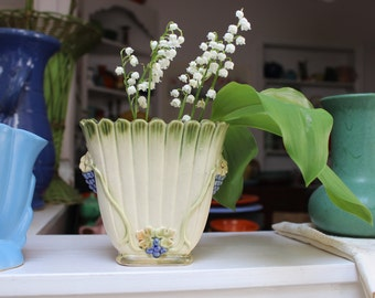 Weller Ware Pottery Florenzo Fan Flared Grapes Vase VINTAGE by Plantdreaming