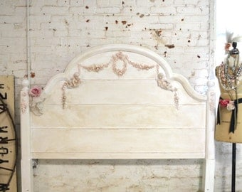 Painted Cottage Romantic French  Queen / Full Bed BD731