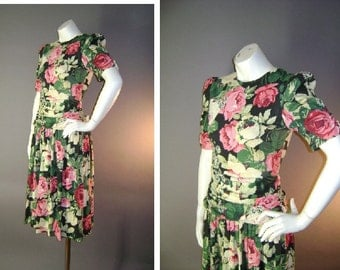1980s 40s inspired vintage dress 80s PINK GREEN ROSES black cotton knit fit and flare full skirt dress