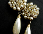 1970s Italian couture long dangle simulated pearl Earrings - Made in italy  by Ira Del Valle signed - Best quality earrings - Art.931/3