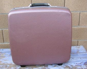 Samsonite Silhouette 4 Suitcase, Mauve Rose Hard Sided Shell, Vintage Mid Century, Like New, Large Size, Wheeled Pull Handle, Trouser Hanger