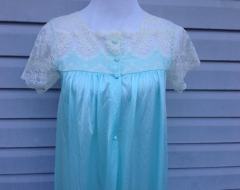 Aqua Vintage Nightgown with Lace Collar and Sleeves, Medium