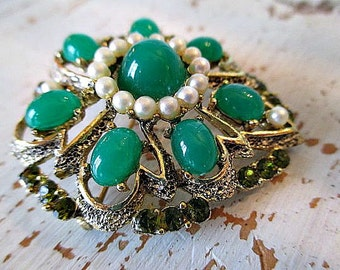 GoRGeoUS ViNTaGe GReeN RHiNeSToNe BRooCH