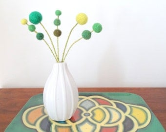 Green felt flowers - Clover, shamrock -  Wool pom pom floral decoration - Faux flowers - Small centerpiece -  Pompom flowers - Emerald Green